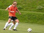 Šumperk (oranžové dresy) v utkání se Šternberkem.