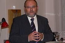 Bývalý přednosta Okresního úřadu Šumperk a senátor Adolf Jílek na archivním snímku.