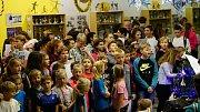 Na základní škole Sluneční v Šumperku začal nácvik na akci Česko zpívá koledy
