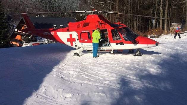 Ve skiareálu v Dolní Moravě se v úterý 6. února vážně zranili dva lidé