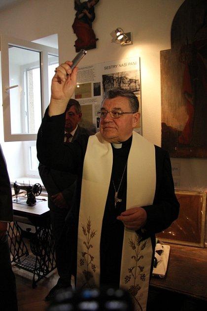 Kardinál Dominik Duka vBílé Vodě.