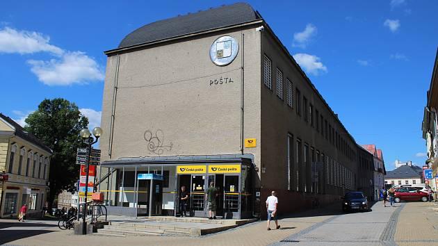 Budova hlavní pošty v Šumperku