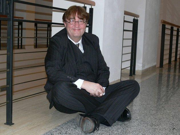 Vladislav Kučík si přál, aby hru uvedl jako první jeho rodný Šumperk