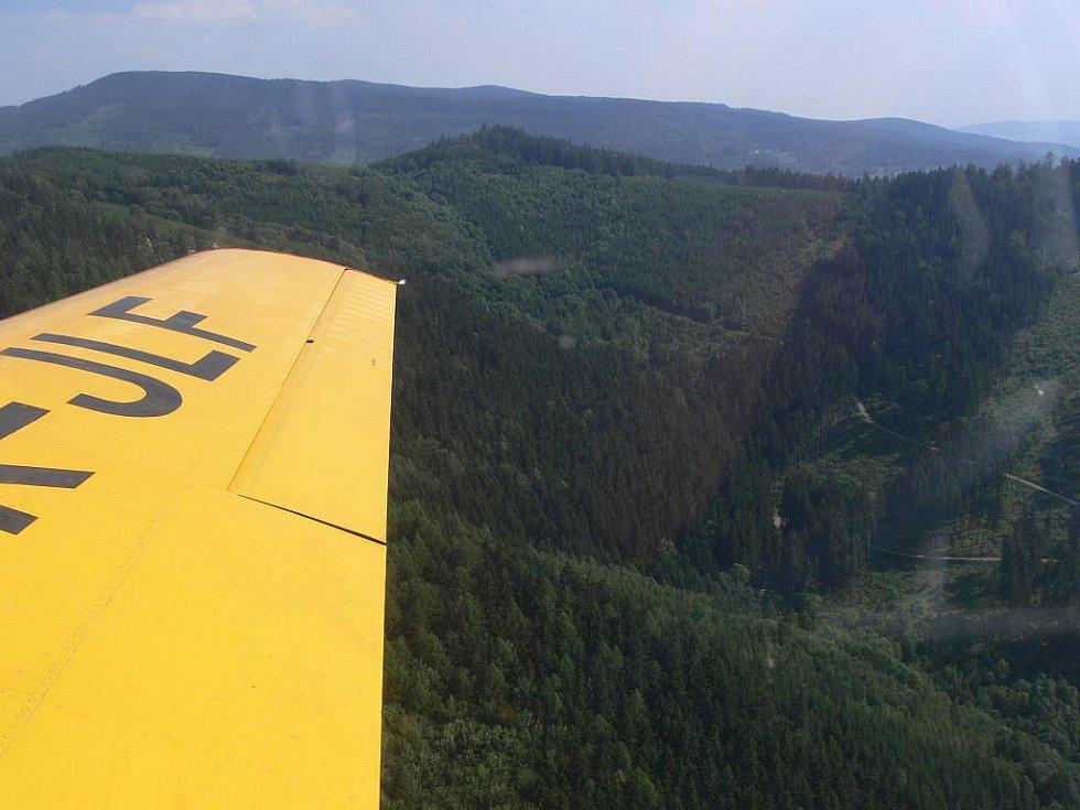 Ještě před několika lety startovalo letadlo na monitoring lesů v Jeseníkách ze šumperského letiště