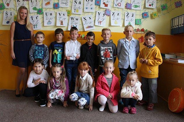 Třída 1.C Základní školy Údolí Desné – škola Sobotín střídní učitelkou Veronikou Benešovskou