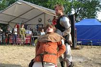 Hrad v Brníčku se v neděli 5. července znovu vrátil do středověku. Hlavní hvězdou byla kapela Rangers - Plavci, která slaví padesát let od založení.