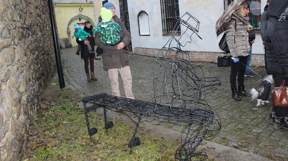 Bluesová lavička v centru Šumperku