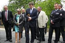 Ministr Jiří Pospíšil navštívil objekt budoucí věznice ve Vidnavě.