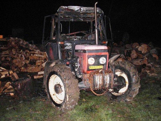 Požár traktoru