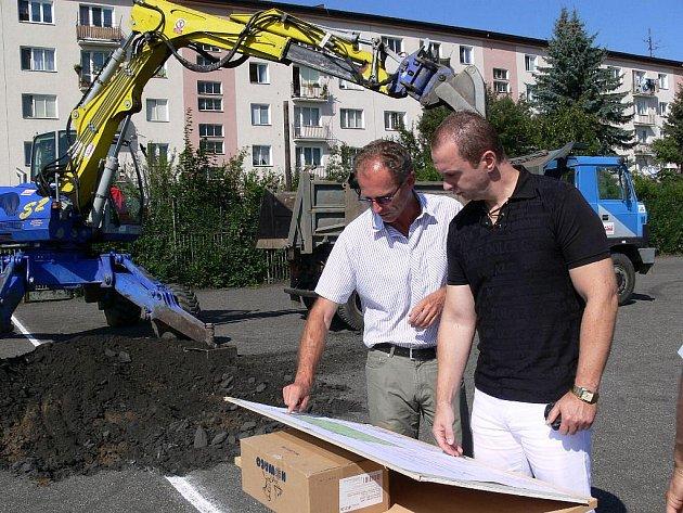 V Zábřehu se začalo s výstavbou hřiště s umělou trávou