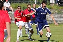Fotbalisté Uničova (v modrém) proti Vítkovicím