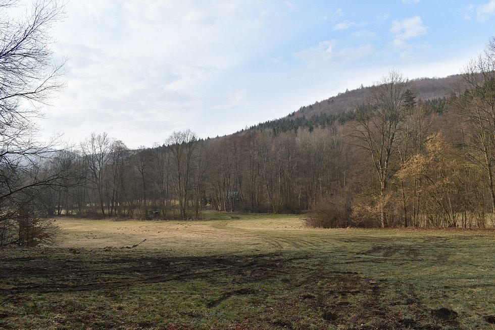 Údolí Březné mezi Hoštejnem a Drozdovskou Pilou.