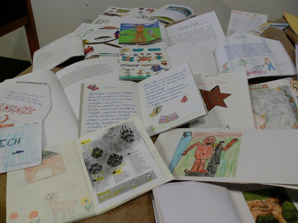 Díla žáků škol projektu Moje kniha