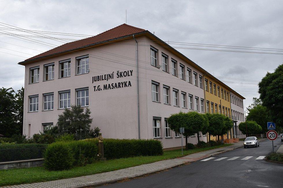 Postřelmov - základní škola.