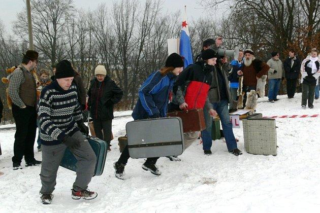 Běh s kufrem odstartoval festival Welzlování.