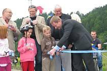 Slavnostní otevření cyklostezky vytvořené z bývalé trati mezi Lupěným a Hněvkovem na Zábřežsku.