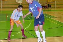 Ondřej Málko (s míčem) je jedna z opor šumperských futsalistů.