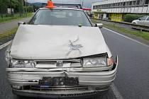 Třiašedesátiletý řidič Seatu Toledo nedobrzdil v České Vsi a narazil do nákladního vozu, který jel před ním.