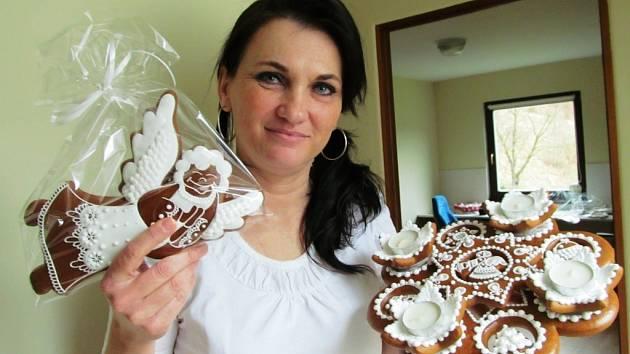 Perníkářka Ivana Boráková se svými výtvory.