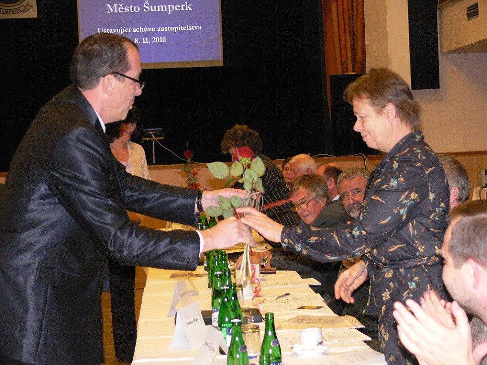 V šumperském domě kultury se v pondělí sešlo nové zastupitelstvo