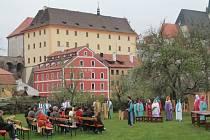 Pivovarská zahrada v Českém Krumlově na archivním snímku.