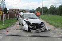 Střet vlaku a osobního auta ve Vikýřovicích.