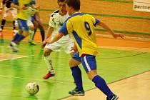 Finálové utkání Šumperku s Chocní (žluté dresy)