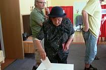 Snímky z referenda z loňského podzimu