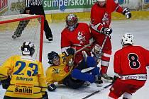Snímky z nedělního utkání 1. juniorské ligy Mladí Draci Šumperk versus Opava (červené dresy)