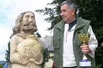 Pražský řezbář Jan Roda si do posledního dne nebyl jist, zda vyřezává svatého Petra, anebo obyčejného rybáře s rybkou.