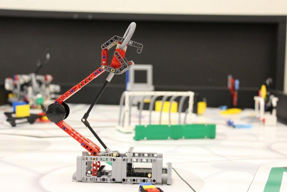 Roboti jesenického týmu.