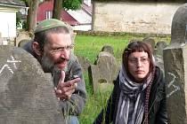 Jaroslav Achab Haidler na židovském hřbitově v Úsově