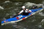 Vodáci o čtvrtém březnovém víkendu na řece Moravě v Hanušovicích.