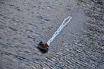 Hasiči zasahují u tragické nehody jeřábu u dolní nádrže přečerpávací elektrárny Dlouhé stráně