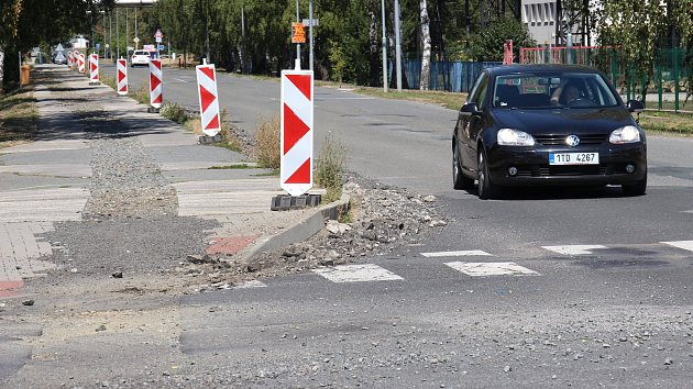 Ulice 1. máje v Mohelnici před zahájením stavebních prací.