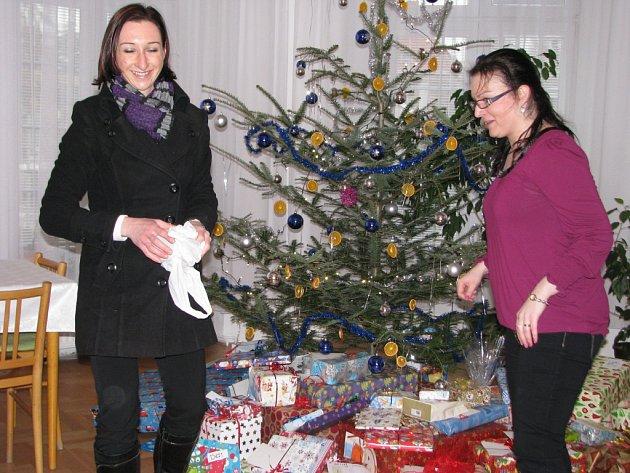 Organizátoři charitativní sbírky připravují nadílku pro děti z šumperského centra Ostrůvek.