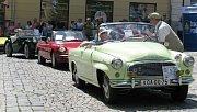 Majitelé nablýskaných veteránů ze Šumperska ale i vzdálenějších koutů republiky se sjeli v sobotu 15. června na náměstí u radnice v Šumperku. Konal se zde Den zábavy a veteránů. K vidění byly opravdové skvosty mezi automobily i motocykly.