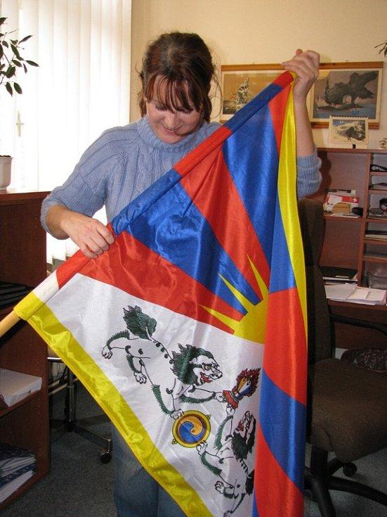 Tibetská vlajka na šumperské radnici.