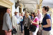 Návštěva účastníků kurzu Attingham Study Programme na zámku ve Velkých Losinách.