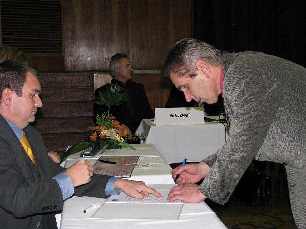 Snímky z ustavujícího zasedání zábřežského zastupitelstva