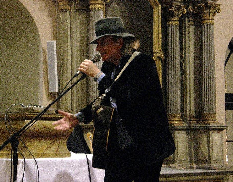 Koncert Garyho Lucase  v klášerním kostele v Šumperku