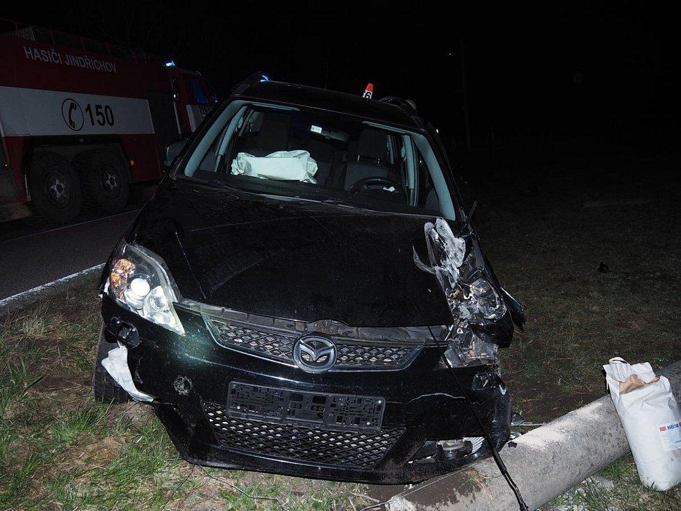 Nehoda mazdy v Jindřichově
