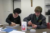 Pracovníci Charity Zábřeh v těchto dnech sčítají obsah pokladniček Tříkrálové sbírky.