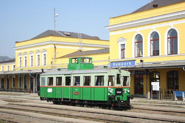 Motorový vůz M 120.417 přezdívaný Věžák je nejstarším provozuschopným motorákem v České republice. Nyní je součástí sbírek Národního technického muzea v Praze. O náročnou rekonstrukci se postaral spolek fandů v šumperském depu.