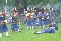 Snímek z loňské bitvy v šumperských sadech 1. máje