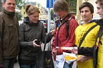 Studenti SZŠ se zapojili do sbírky, která pomůže Lize proti rakovině.