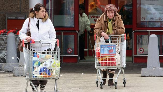 Krádeží v obchodech přibývá (ilustrační foto)