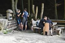 Lesní bar nad Horní Lipovou v neděli 27. června.