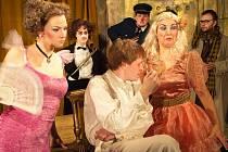 Snímek z představení šumperského divadla Revizor