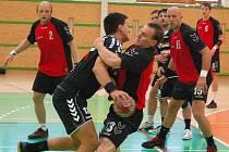 Šumperští házenkáři (černé dresy) porazili v prvoligovém utkání Náchod